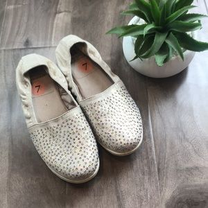 🔥4 for $25🔥WHITE MOUNTAIN slip-on shoes